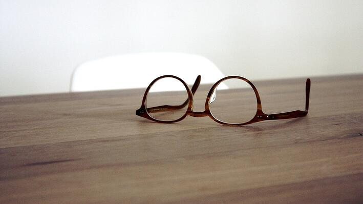 Are You Wearing Spectacles? Objectivity and the Interpretation of Scripture